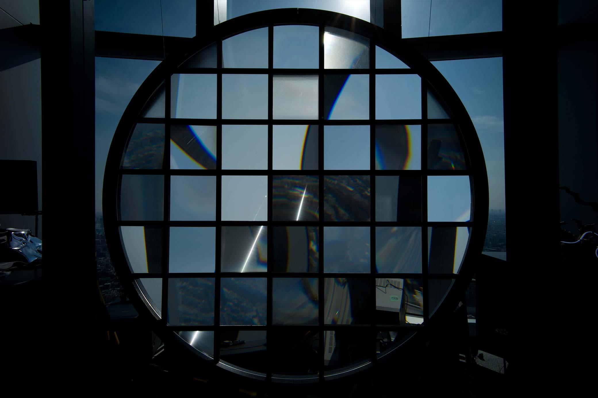 焦点の散らばった窓